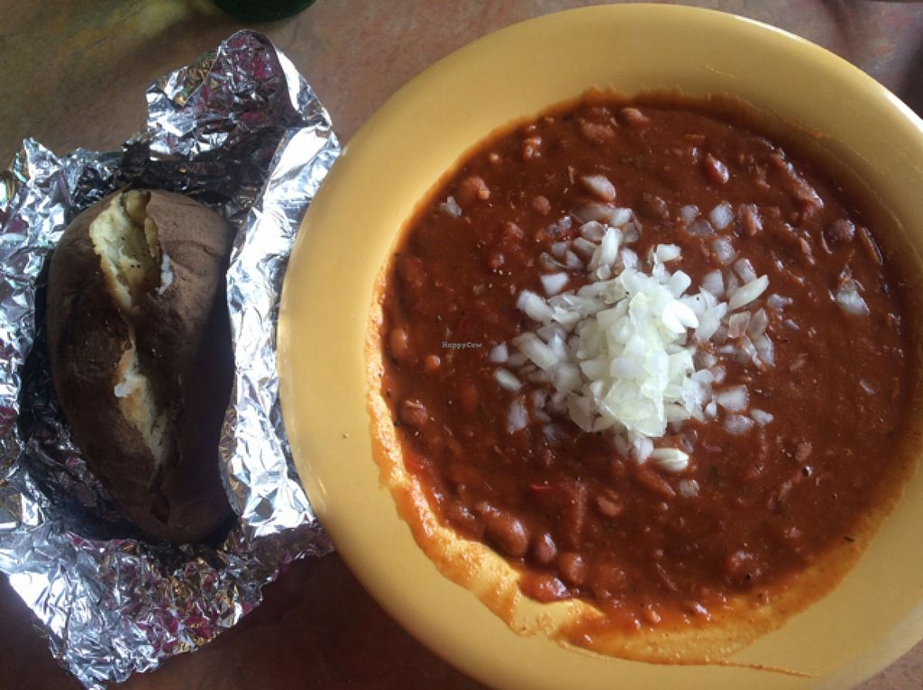 """Photo of Maswick Cafeteria  by <a href=""""/members/profile/DNice88"""">DNice88</a> <br/>vegan chili  <br/> May 11, 2016  - <a href='/contact/abuse/image/39040/148559'>Report</a>"""