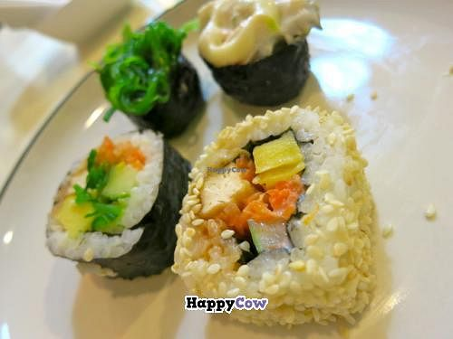 """Photo of Khun Churn  by <a href=""""/members/profile/Chnanis"""">Chnanis</a> <br/>Complementary vegetarian Sushi <br/> November 13, 2013  - <a href='/contact/abuse/image/39119/58428'>Report</a>"""
