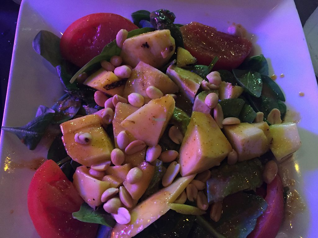 "Photo of Ballyhoo's  by <a href=""/members/profile/Lavendel229"">Lavendel229</a> <br/>Mango-Avocadosalat mit Nudeln  <br/> January 29, 2017  - <a href='/contact/abuse/image/39209/219323'>Report</a>"