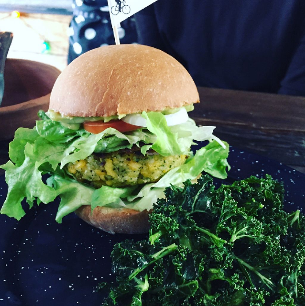 """Photo of Los Loosers  by <a href=""""/members/profile/eatyourveggies"""">eatyourveggies</a> <br/>plantano burger <br/> February 22, 2017  - <a href='/contact/abuse/image/39267/229345'>Report</a>"""