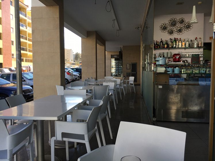 "Photo of Cafe Fresco  by <a href=""/members/profile/hack_man"">hack_man</a> <br/>outside seating area <br/> September 14, 2016  - <a href='/contact/abuse/image/39343/175655'>Report</a>"