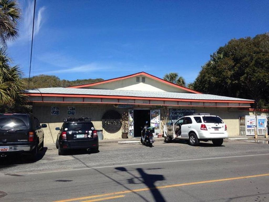 """Photo of Bert's Market  by <a href=""""/members/profile/community"""">community</a> <br/>Bert's Market <br/> June 13, 2014  - <a href='/contact/abuse/image/39563/71982'>Report</a>"""