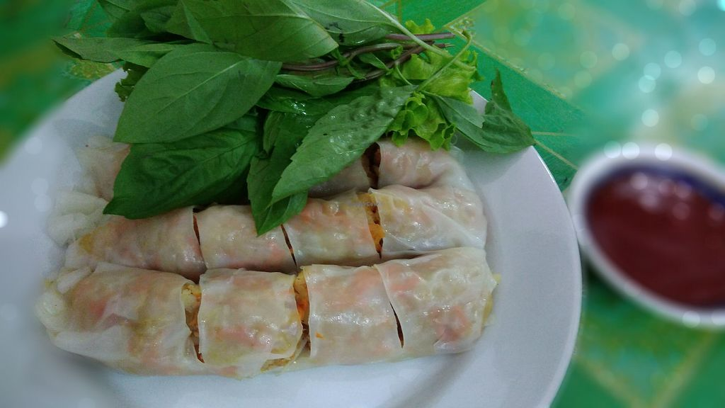 "Photo of Ching Sin Vegan Restaurant  by <a href=""/members/profile/ChoyYuen"">ChoyYuen</a> <br/>Vegan chee cheong fun - steamed rice rolls with shredded turnips and carrots fillings, served with fresh basil leaves and lettuce <br/> March 20, 2018  - <a href='/contact/abuse/image/3963/373300'>Report</a>"