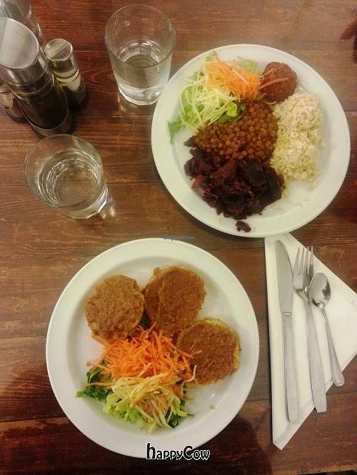 """Photo of CLOSED: El Granero de Lavapies  by <a href=""""/members/profile/Fer"""">Fer</a> <br/>Main course: Rice steaks and Granero's dish <br/> February 2, 2013  - <a href='/contact/abuse/image/3987/43683'>Report</a>"""