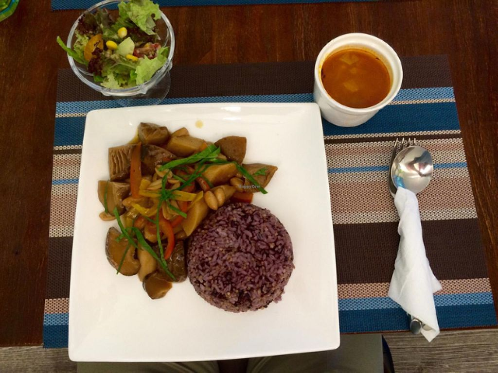 """Photo of CLOSED: Veggie Dot  by <a href=""""/members/profile/Tianci"""">Tianci</a> <br/>Vegan Mushroom with Chinese Yam set lunch <br/> July 1, 2015  - <a href='/contact/abuse/image/39887/107879'>Report</a>"""