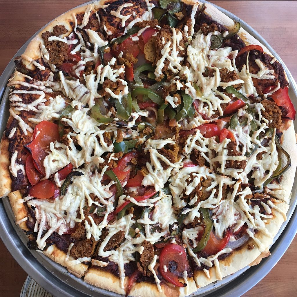 "Photo of Vegan Rapide - Sherbrooke  by <a href=""/members/profile/mcsnv"">mcsnv</a> <br/>Pizza Mauresque avec fromage <br/> September 3, 2017  - <a href='/contact/abuse/image/39990/300572'>Report</a>"