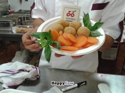 "Photo of Giro Bio  by <a href=""/members/profile/GigioGiroBio"">GigioGiroBio</a> <br/>falafel with carrots <br/> July 30, 2013  - <a href='/contact/abuse/image/40300/52459'>Report</a>"
