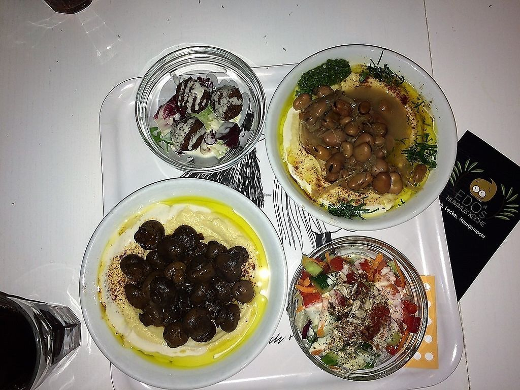 """Photo of Edo's Hummus Kuche  by <a href=""""/members/profile/Marin100"""">Marin100</a> <br/>Hummus mit verschiedenen Toppings <br/> August 31, 2017  - <a href='/contact/abuse/image/40456/299349'>Report</a>"""