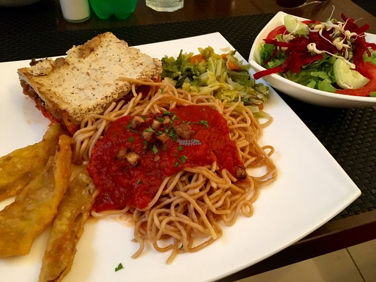 "Photo of Makro Vega  by <a href=""/members/profile/EmmaJ"">EmmaJ</a> <br/>tomato pasta, tempura veg, tofu lasagne and boiled veg <br/> September 20, 2016  - <a href='/contact/abuse/image/4047/177019'>Report</a>"