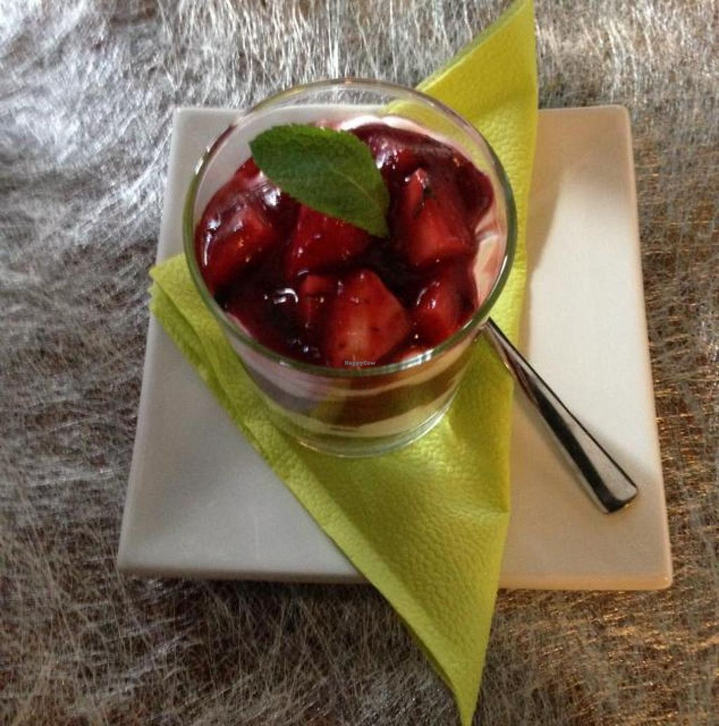 """Photo of CLOSED: Wondergood  by <a href=""""/members/profile/vegetariangirl"""">vegetariangirl</a> <br/>strawberry tiramisu  <br/> April 18, 2014  - <a href='/contact/abuse/image/40561/67879'>Report</a>"""