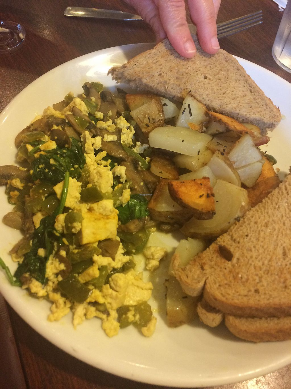 "Photo of Griddle 145  by <a href=""/members/profile/cassienat"">cassienat</a> <br/>tofu scramble with home fries and toast <br/> August 25, 2017  - <a href='/contact/abuse/image/40601/297242'>Report</a>"