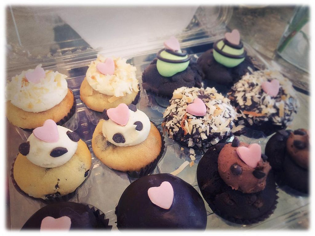 "Photo of Bunnie Cakes  by <a href=""/members/profile/KasloColorado"">KasloColorado</a> <br/>Cupcakes! <br/> April 12, 2015  - <a href='/contact/abuse/image/40652/98728'>Report</a>"