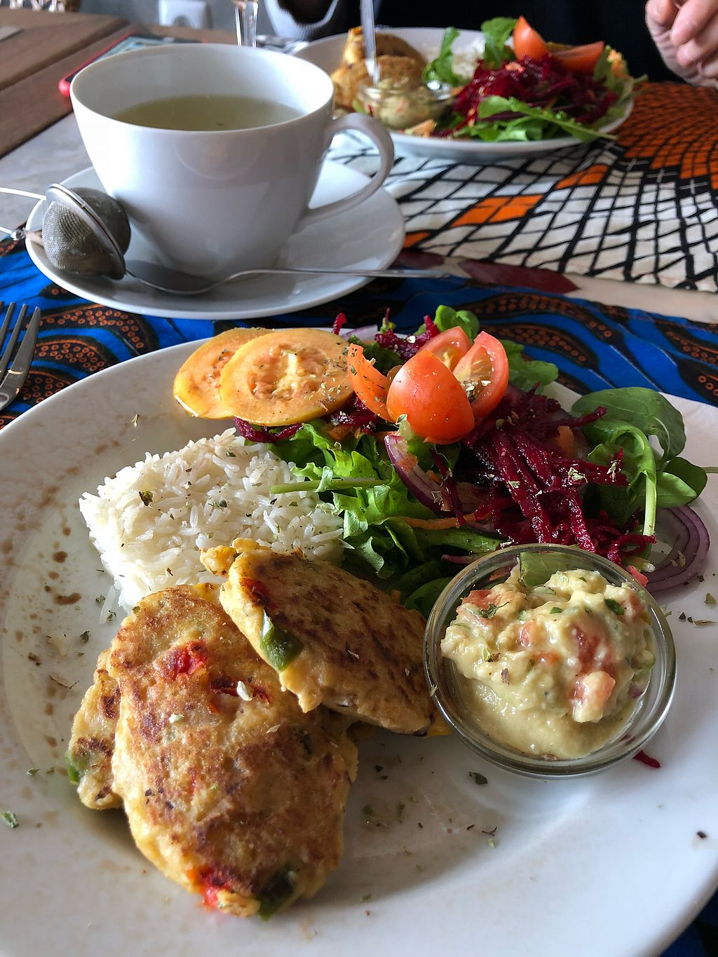 "Photo of Bistro 'O Porto  by <a href=""/members/profile/Arkie"">Arkie</a> <br/>Main dish. Chickpea blinis with guacamole, rice and sallad <br/> December 28, 2017  - <a href='/contact/abuse/image/40673/340010'>Report</a>"