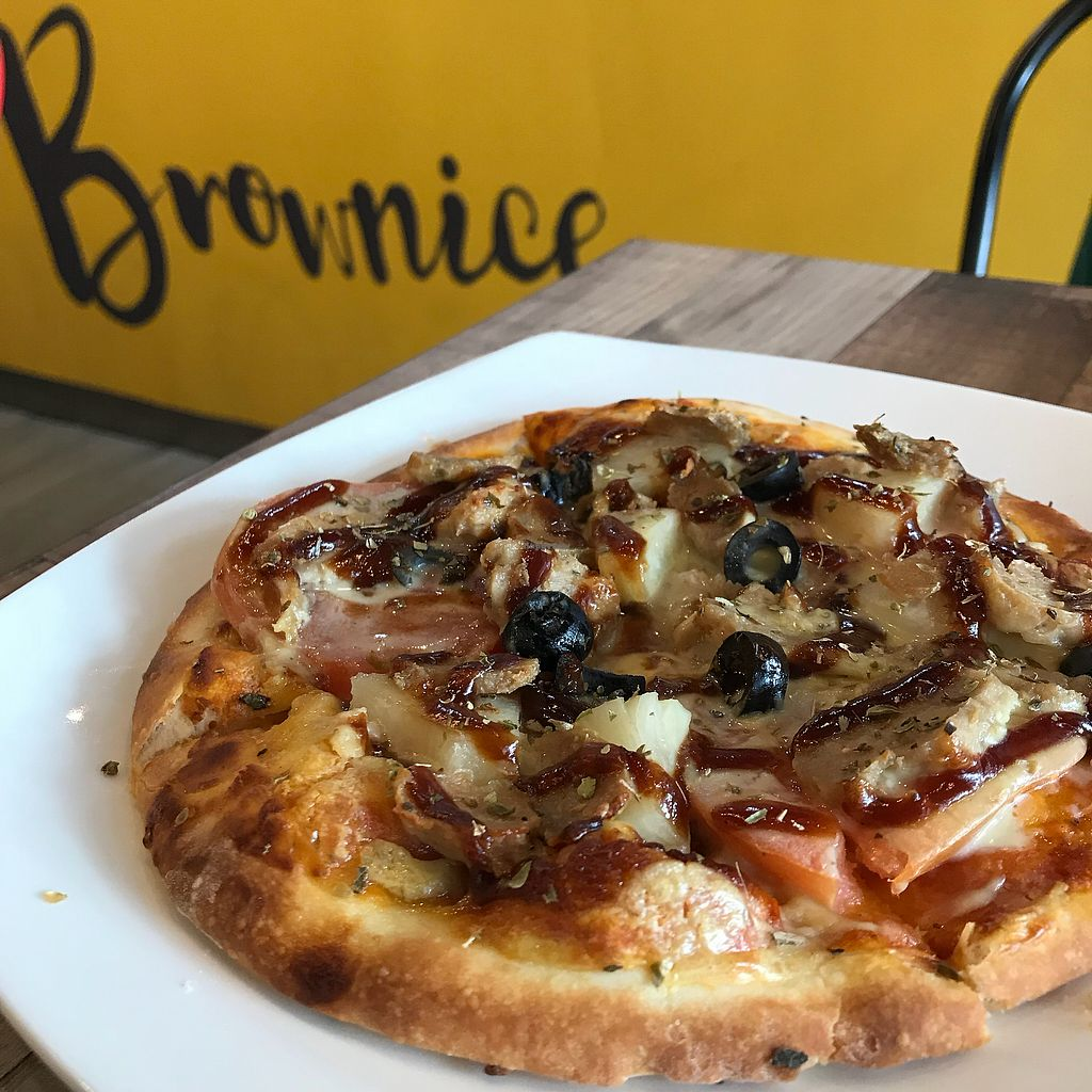 """Photo of Brownice - Sin Ming Centre  by <a href=""""/members/profile/Sweetveganneko"""">Sweetveganneko</a> <br/>Bbq pizza  <br/> March 2, 2018  - <a href='/contact/abuse/image/40695/365828'>Report</a>"""
