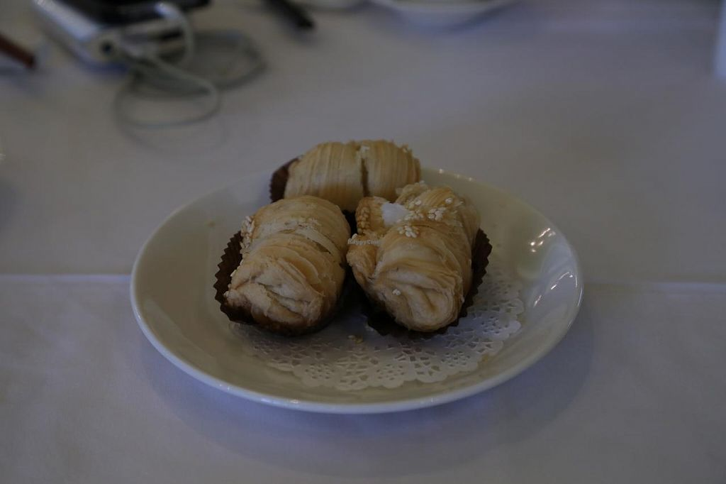 """Photo of Yang Shin  by <a href=""""/members/profile/AndyT"""">AndyT</a> <br/>Deep Fried Pastry with Shredded Turnip (vegan) <br/> February 17, 2015  - <a href='/contact/abuse/image/40730/93362'>Report</a>"""