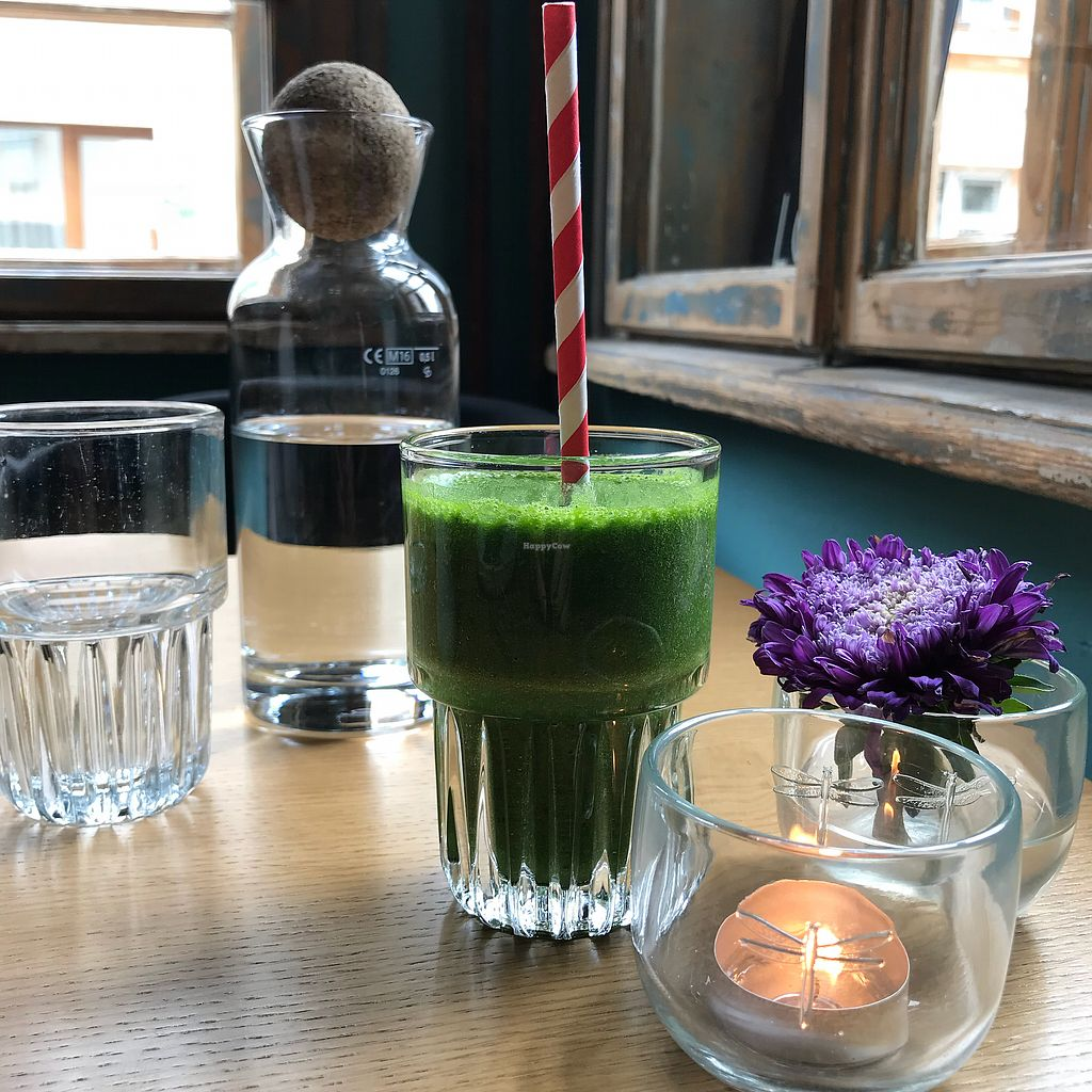 "Photo of Soul Kitchen  by <a href=""/members/profile/earthville"">earthville</a> <br/>Green smoothie <br/> September 27, 2017  - <a href='/contact/abuse/image/40791/309087'>Report</a>"