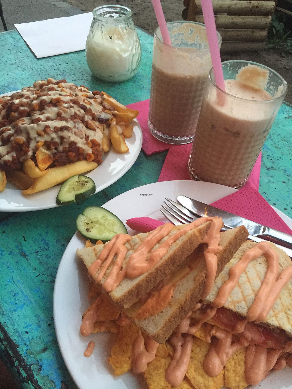 "Photo of Chaostheorie  by <a href=""/members/profile/Toristales"">Toristales</a> <br/>chilli cheese fried, sandwich, cocktail and millshake <br/> August 30, 2017  - <a href='/contact/abuse/image/40825/298887'>Report</a>"