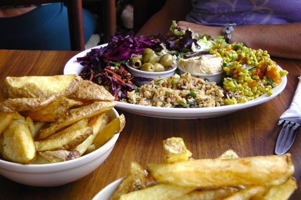 """Photo of CLOSED: Roll for the Soul  by <a href=""""/members/profile/trinitybourne"""">trinitybourne</a> <br/>Delicious vegan salad platter with chips <br/> July 3, 2015  - <a href='/contact/abuse/image/40890/108025'>Report</a>"""