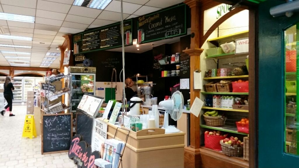 """Photo of Beanfreaks Store and Juice Bar  by <a href=""""/members/profile/konlish"""">konlish</a> <br/>Juice Bar at Entrance <br/> December 23, 2015  - <a href='/contact/abuse/image/4090/129587'>Report</a>"""