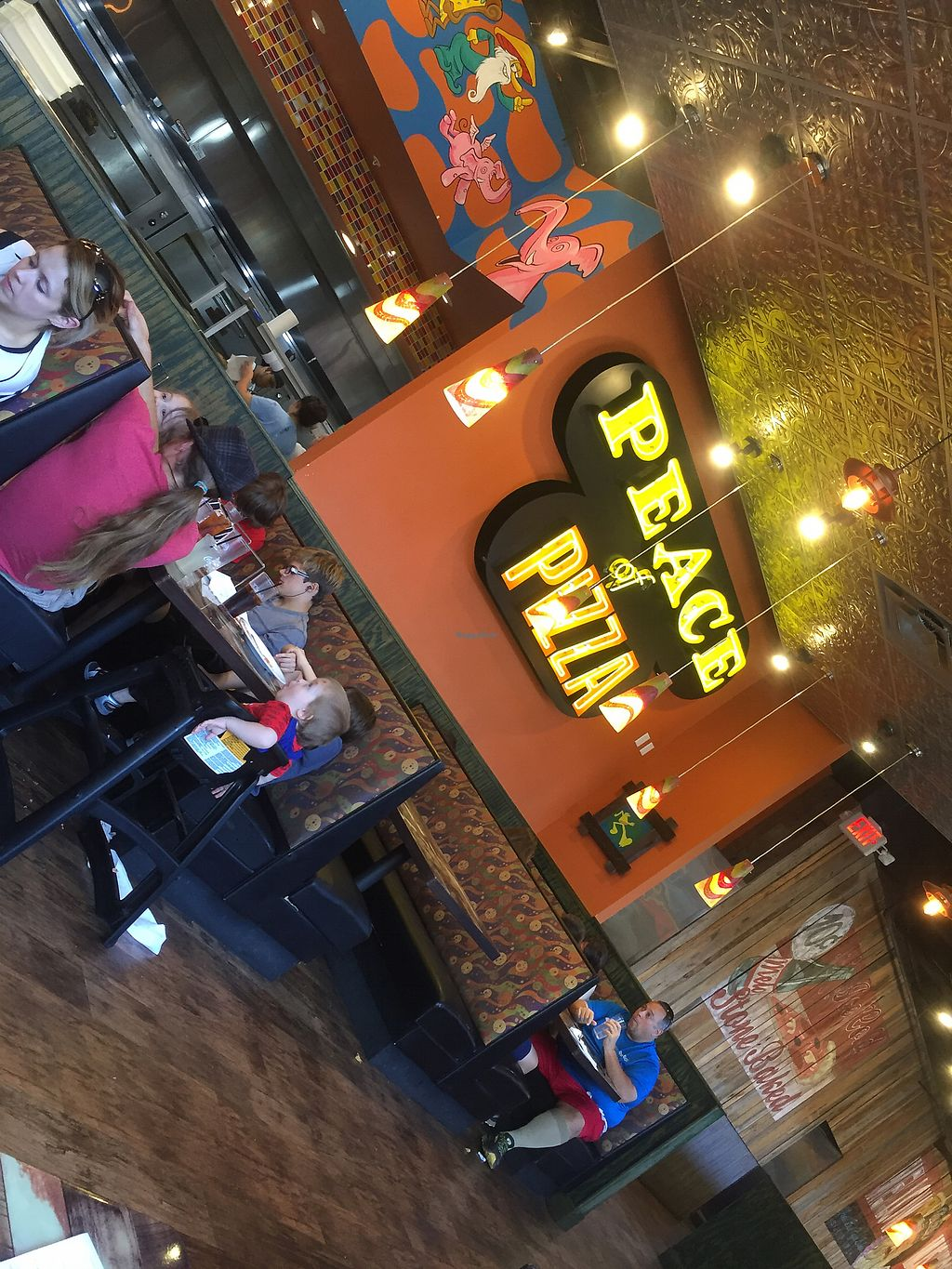 "Photo of Mellow Mushroom  by <a href=""/members/profile/happycowgirl"">happycowgirl</a> <br/>interior <br/> August 20, 2017  - <a href='/contact/abuse/image/40919/294874'>Report</a>"