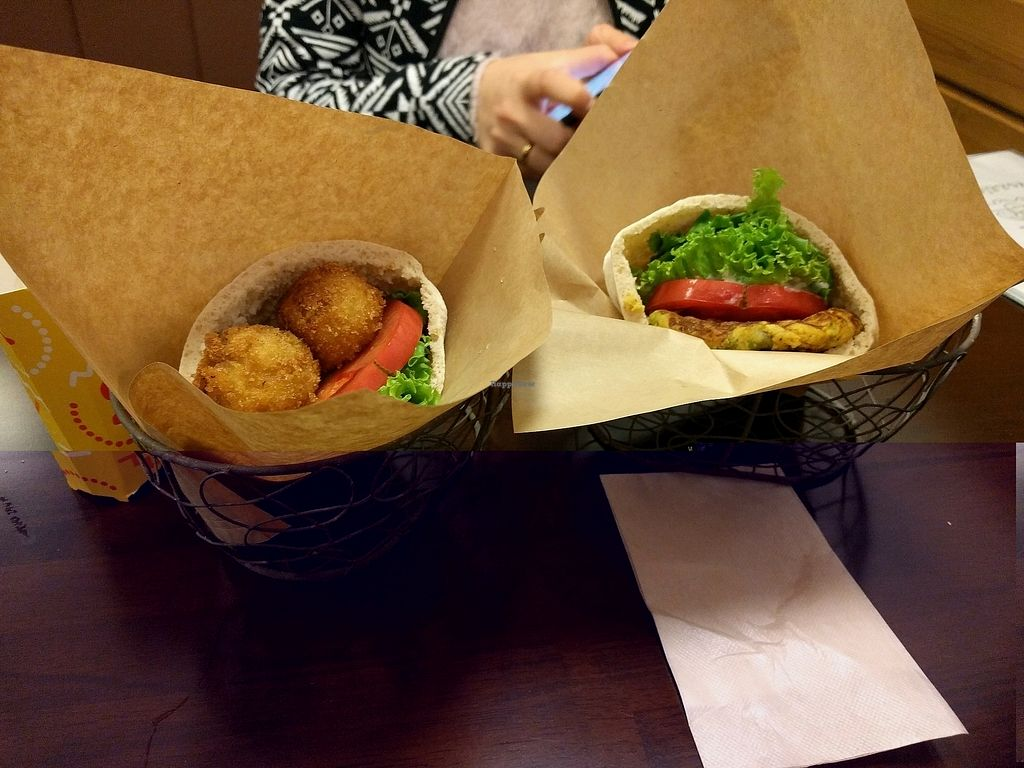 "Photo of Veggie Cafe  by <a href=""/members/profile/EnricoVegan"">EnricoVegan</a> <br/>Falafel and spanish omelet. Really tiny :/ <br/> November 6, 2017  - <a href='/contact/abuse/image/40954/322471'>Report</a>"