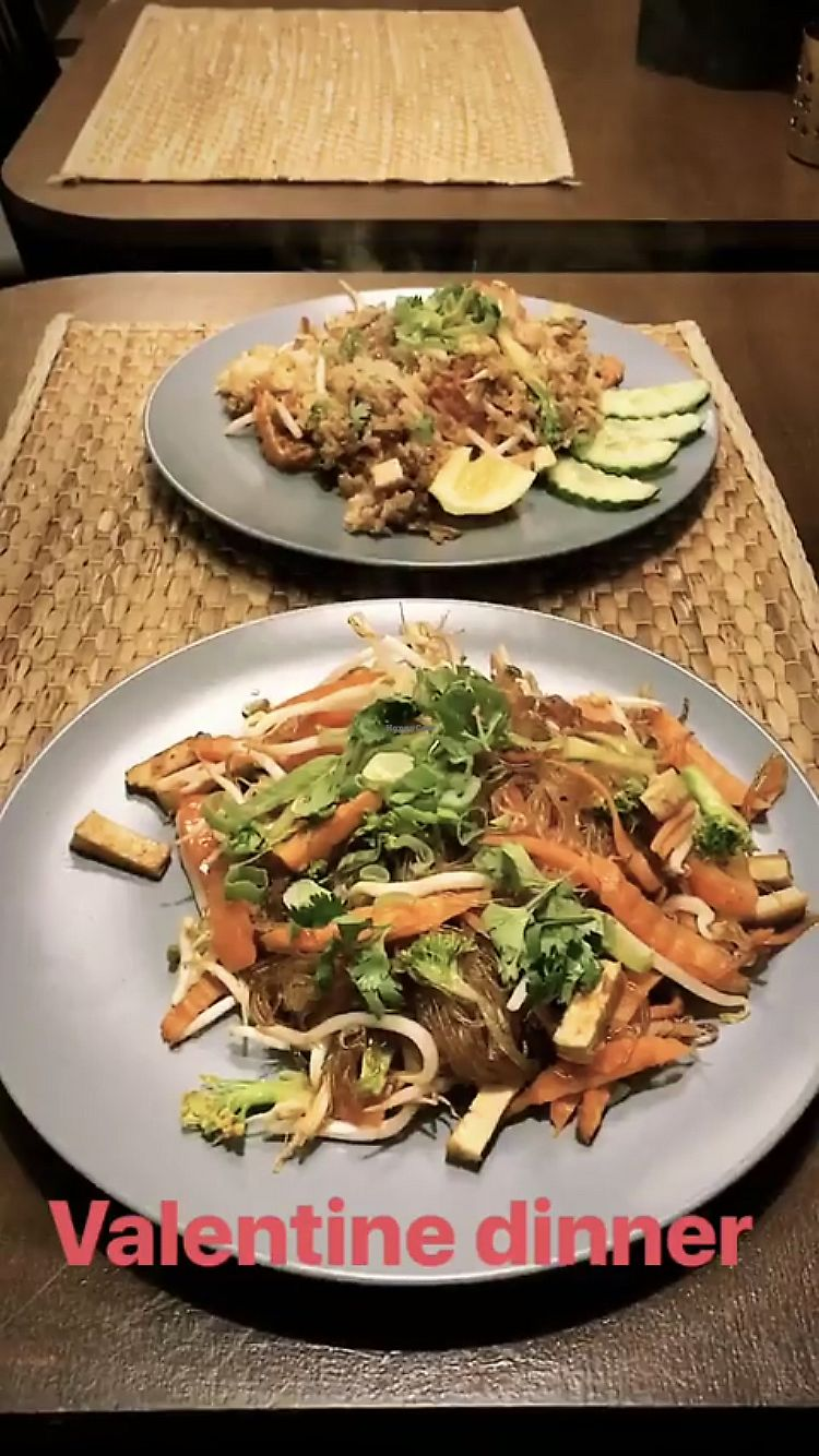 """Photo of Thai Box Food  by <a href=""""/members/profile/SzapuDominika"""">SzapuDominika</a> <br/>Yumm <br/> February 14, 2018  - <a href='/contact/abuse/image/40986/359374'>Report</a>"""