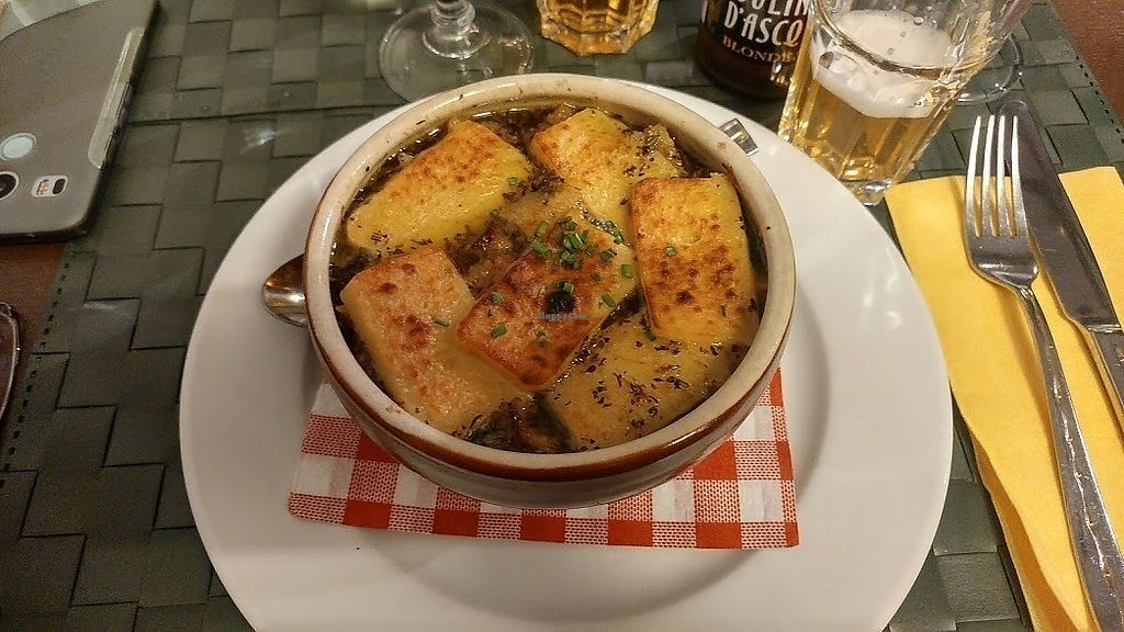 """Photo of Le Potager du Marais  by <a href=""""/members/profile/SaraMarkic"""">SaraMarkic</a> <br/>great french onion soup <br/> December 5, 2017  - <a href='/contact/abuse/image/4106/332579'>Report</a>"""