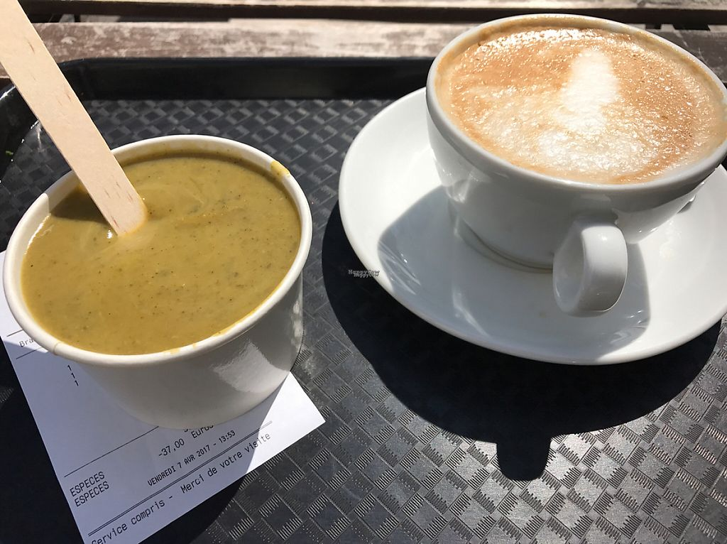 """Photo of Green Bear Coffee - La Canebiere  by <a href=""""/members/profile/Shan-Shan"""">Shan-Shan</a> <br/>Cougette-mint soup & soy latte <br/> April 8, 2017  - <a href='/contact/abuse/image/41101/245907'>Report</a>"""