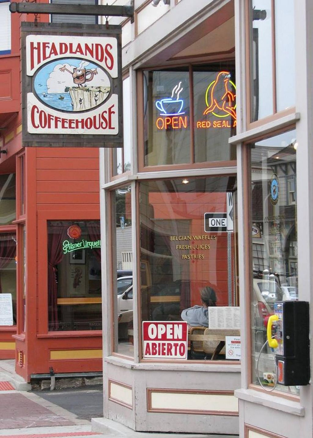 """Photo of Headlands Coffeehouse  by <a href=""""/members/profile/community"""">community</a> <br/>Headlands Coffeehouse <br/> October 26, 2014  - <a href='/contact/abuse/image/41146/84000'>Report</a>"""