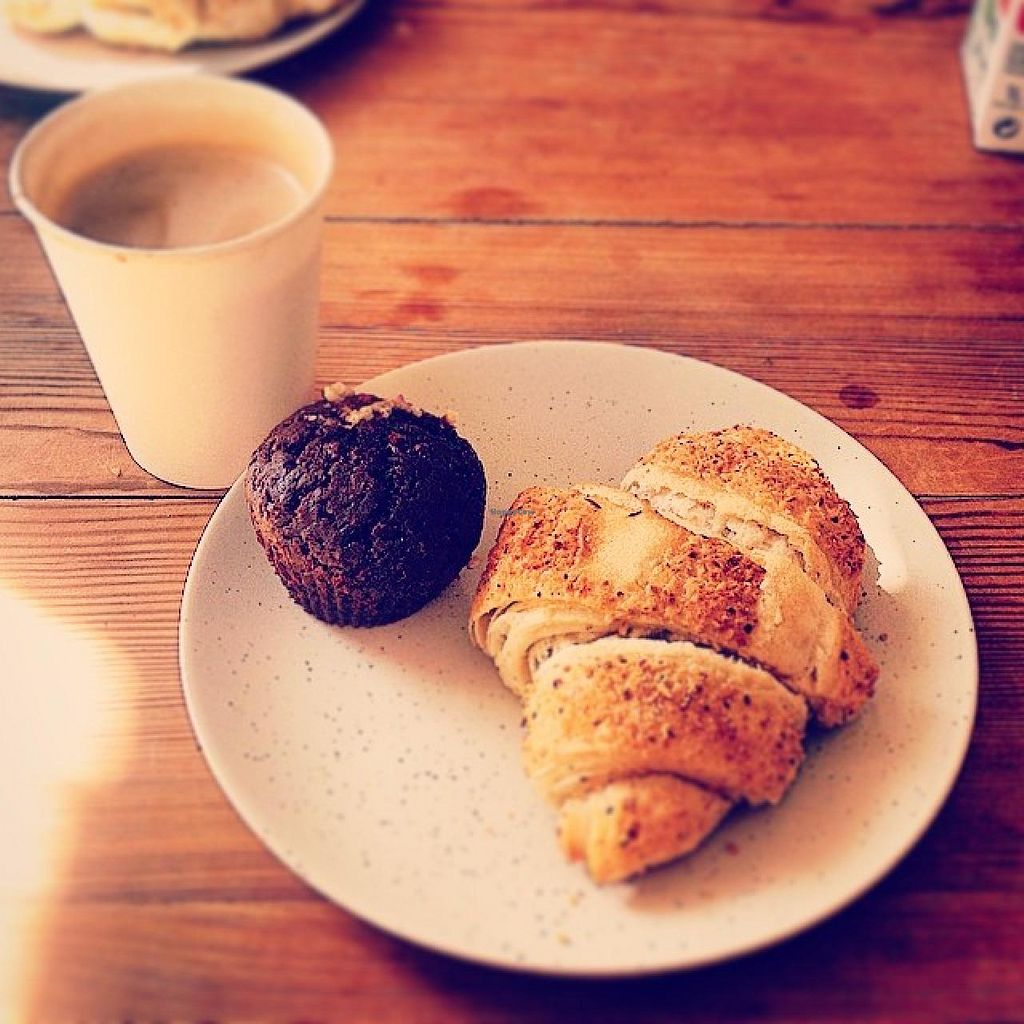 """Photo of CLOSED: Treibholz  by <a href=""""/members/profile/Vegan_Lou"""">Vegan_Lou</a> <br/>Flat white, croissant and a little cake - bless.  <br/> August 3, 2014  - <a href='/contact/abuse/image/41214/75875'>Report</a>"""