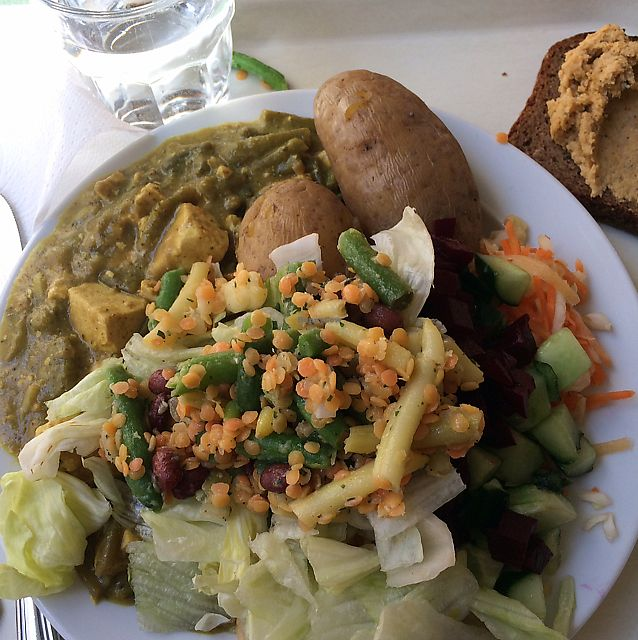 """Photo of Unicafe  by <a href=""""/members/profile/Veg_Anu"""">Veg_Anu</a> <br/>Green tofu curry <br/> June 7, 2017  - <a href='/contact/abuse/image/4150/266748'>Report</a>"""