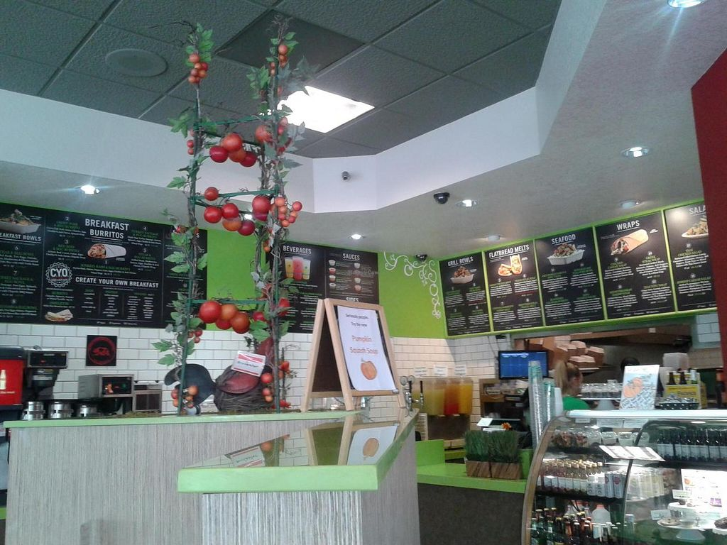 "Photo of Green Tomato Grill  by <a href=""/members/profile/chobesoy"">chobesoy</a> <br/>entryway <br/> November 20, 2014  - <a href='/contact/abuse/image/41587/86099'>Report</a>"