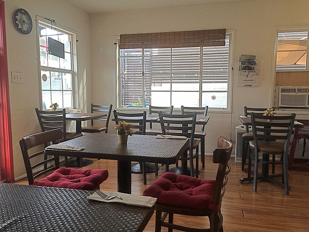 """Photo of Veggie House  by <a href=""""/members/profile/serrarose"""">serrarose</a> <br/>Restaurant indoor seating <br/> December 27, 2015  - <a href='/contact/abuse/image/41594/130030'>Report</a>"""