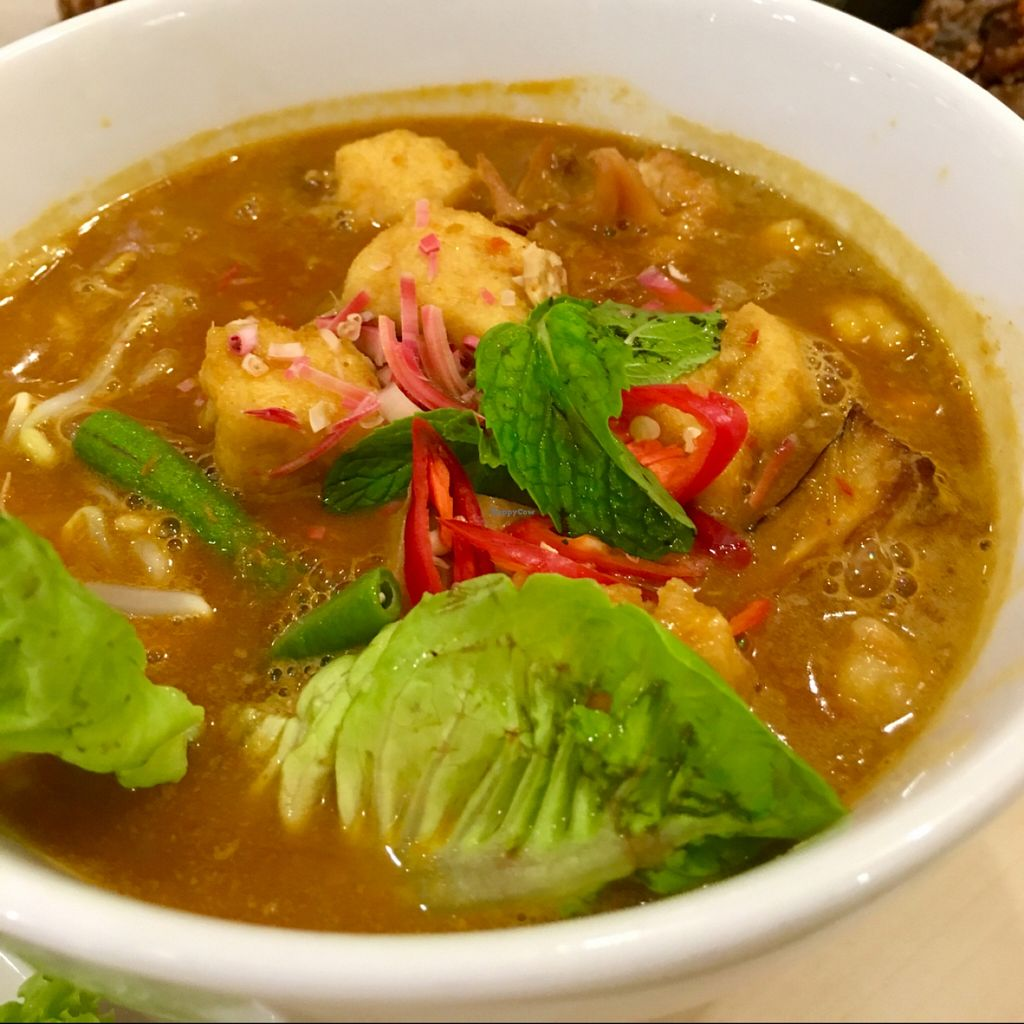 """Photo of Idealite - Jalan Gottlieb  by <a href=""""/members/profile/dmzhu66"""">dmzhu66</a> <br/>Fragrant Laksa! <br/> November 30, 2015  - <a href='/contact/abuse/image/41604/126750'>Report</a>"""