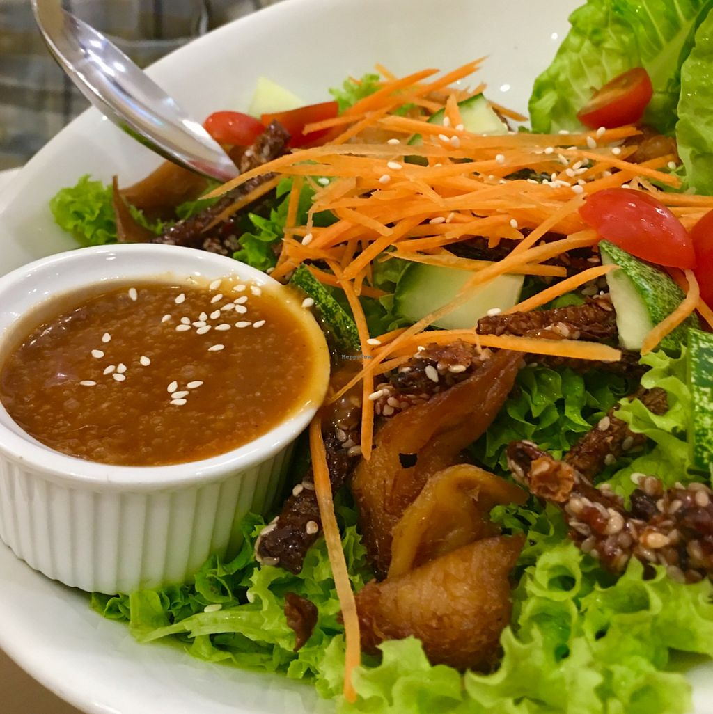 """Photo of Idealite - Jalan Gottlieb  by <a href=""""/members/profile/dmzhu66"""">dmzhu66</a> <br/>inventive, crunchy & nutrient bursting ... salad <br/> November 30, 2015  - <a href='/contact/abuse/image/41604/126752'>Report</a>"""