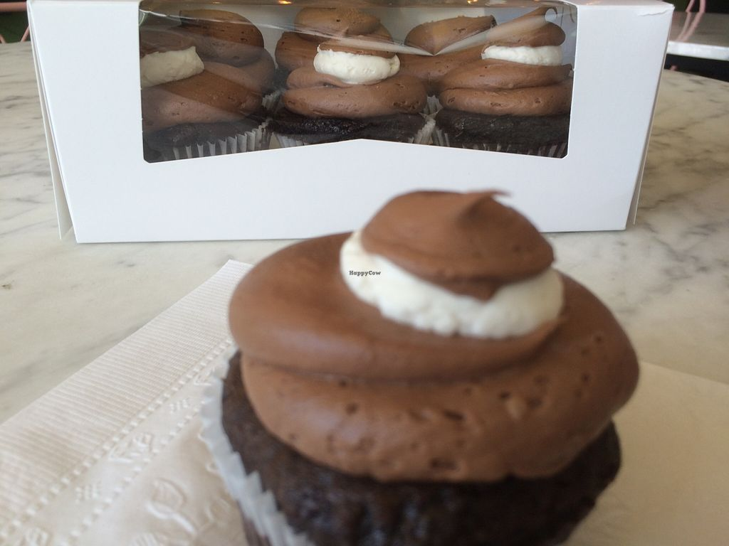 """Photo of Pearl's Cupcake Shoppe  by <a href=""""/members/profile/TheFluffyVegan"""">TheFluffyVegan</a> <br/>Tuxedo cupcakes!  <br/> November 18, 2015  - <a href='/contact/abuse/image/41629/125432'>Report</a>"""