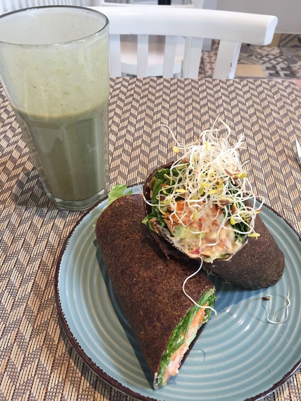 "Photo of Raw Cafe - Independencia  by <a href=""/members/profile/joegelay"">joegelay</a> <br/>Linaza wrap and green smoothie <br/> December 20, 2017  - <a href='/contact/abuse/image/41640/337380'>Report</a>"
