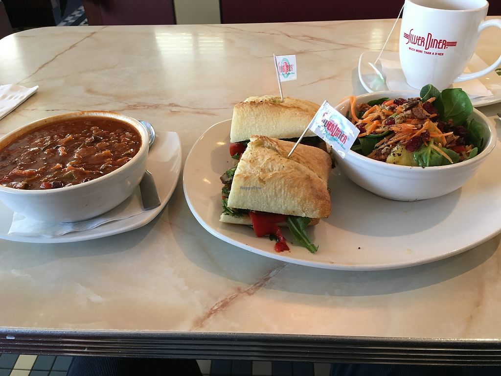 """Photo of Springfield Silver Diner  by <a href=""""/members/profile/Aneroz"""">Aneroz</a> <br/>Vegan chili and vegan sandwich <br/> January 5, 2018  - <a href='/contact/abuse/image/41654/343093'>Report</a>"""