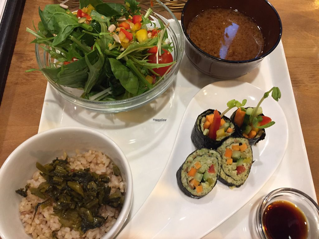 "Photo of Raw Food Lohas  by <a href=""/members/profile/jpoukka"">jpoukka</a> <br/>Set dinner  <br/> February 10, 2017  - <a href='/contact/abuse/image/41685/224961'>Report</a>"
