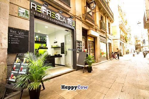 """Photo of Refresca Tea - El Born  by <a href=""""/members/profile/phil_rides"""">phil_rides</a> <br/>The exterior, really close to the 'plaza george orwell' <br/> October 1, 2013  - <a href='/contact/abuse/image/41948/56087'>Report</a>"""