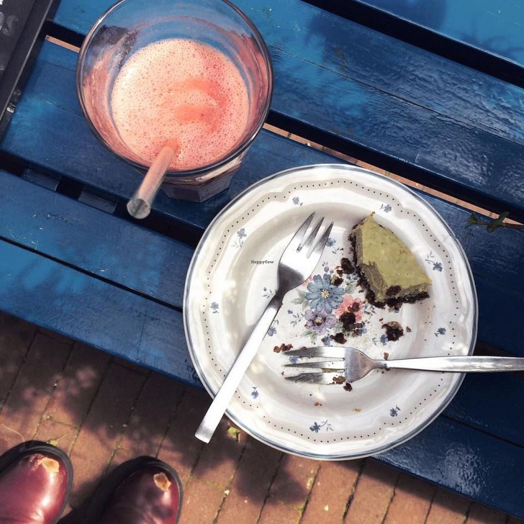 "Photo of Rawsome  by <a href=""/members/profile/Rezaline"">Rezaline</a> <br/>Whoops, almost too late. A little bit of the raw avocado coconut cake and my watermelon smoothie. Both were delicious! <br/> July 23, 2015  - <a href='/contact/abuse/image/41999/110574'>Report</a>"