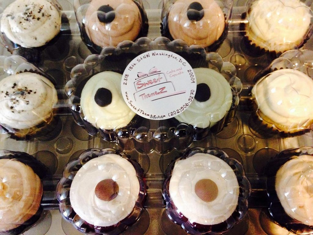 "Photo of CLOSED: Sweet Themez  by <a href=""/members/profile/cookiem"">cookiem</a> <br/>Plastic packaging for your dozen vegan cupcakes? <br/> July 16, 2014  - <a href='/contact/abuse/image/42082/74199'>Report</a>"