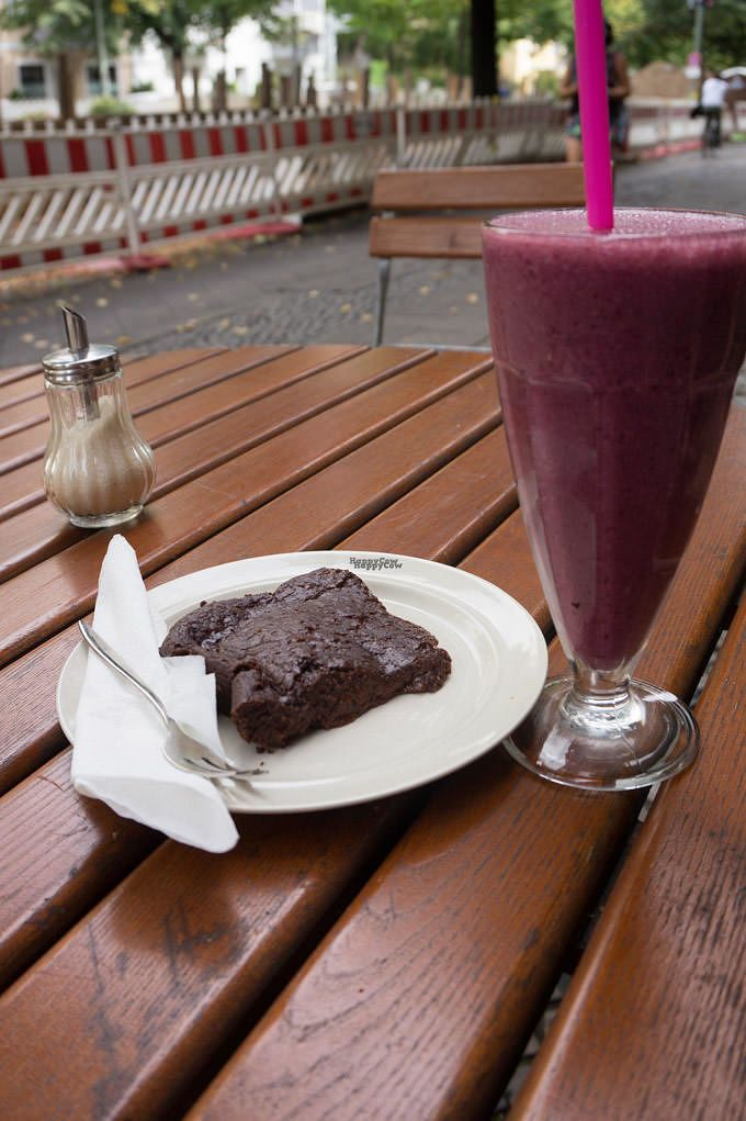 """Photo of Playing With Eels  by <a href=""""/members/profile/biancah"""">biancah</a> <br/>Chocolate Brownie + Berry Shake <br/> September 26, 2016  - <a href='/contact/abuse/image/42246/178079'>Report</a>"""
