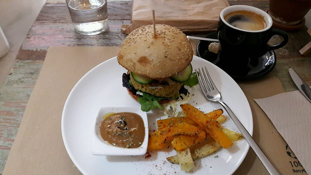 "Photo of El Cafe Blueproject - temporarily closed  by <a href=""/members/profile/SergioAlejandro"">SergioAlejandro</a> <br/>My delicious, cruelty free burger! :) <br/> December 31, 2017  - <a href='/contact/abuse/image/42332/341375'>Report</a>"