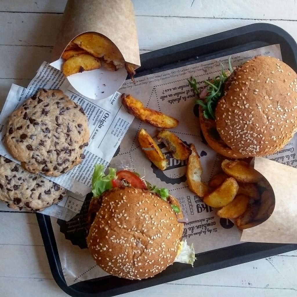"Photo of Hank Vegan Burger  by <a href=""/members/profile/coco_papillon"">coco_papillon</a> <br/>vegan burgers <br/> February 20, 2017  - <a href='/contact/abuse/image/42352/228399'>Report</a>"