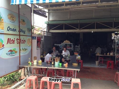 "Photo of Quan Chay Mai Thao  by <a href=""/members/profile/jb73"">jb73</a> <br/>Open air restaurant <br/> October 13, 2013  - <a href='/contact/abuse/image/42419/56682'>Report</a>"