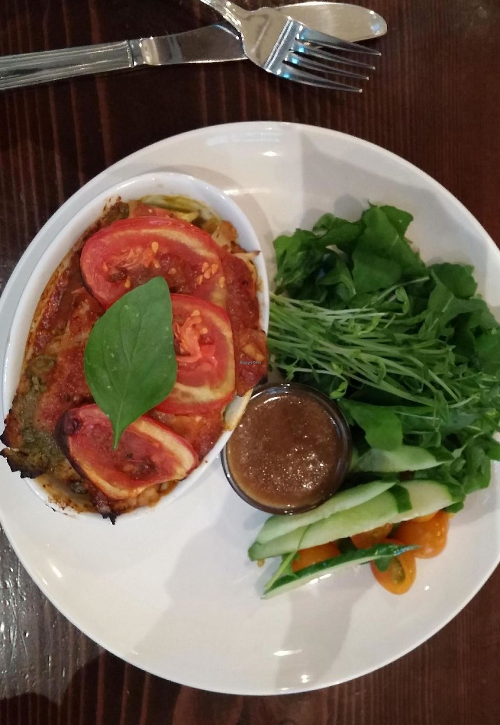 "Photo of be love  by <a href=""/members/profile/elizabet"">elizabet</a> <br/>Heirloom tomato, pesto, and cashew cheese lasagna with arugula salad <br/> July 21, 2015  - <a href='/contact/abuse/image/42461/230776'>Report</a>"