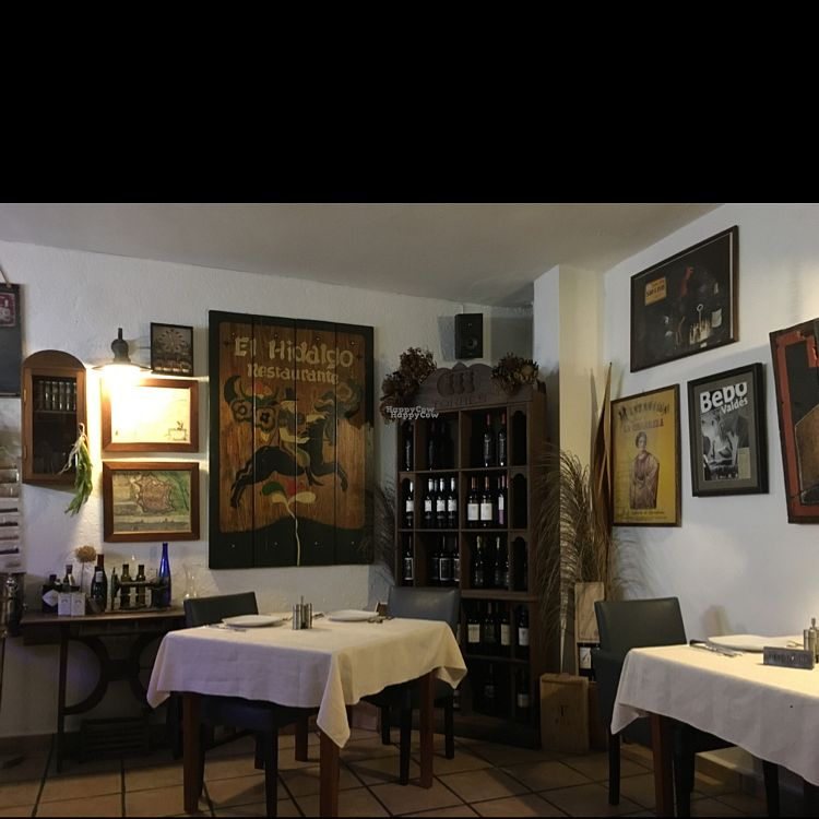 """Photo of El Hidalgo  by <a href=""""/members/profile/leont"""">leont</a> <br/>Cosy interior <br/> October 22, 2016  - <a href='/contact/abuse/image/42479/183726'>Report</a>"""