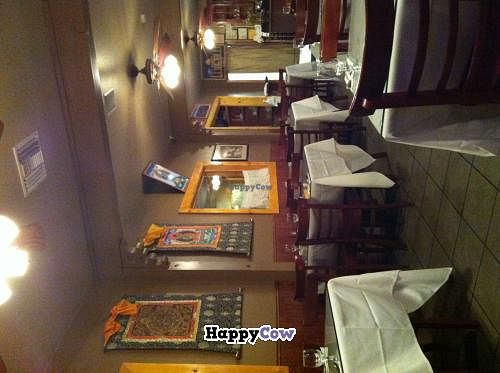 """Photo of Himalayan Restaurant  by <a href=""""/members/profile/bdbdheybuck"""">bdbdheybuck</a> <br/>Interior of Himalayan Restaurant <br/> October 25, 2013  - <a href='/contact/abuse/image/42493/57280'>Report</a>"""