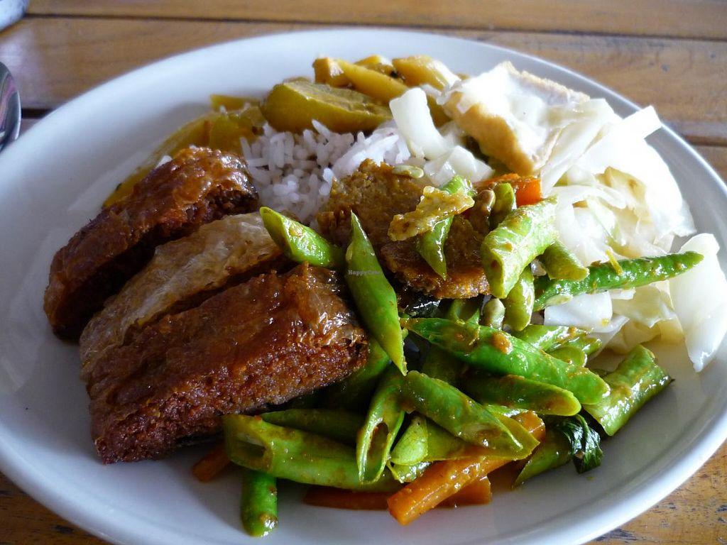 "Photo of CLOSED: Hong Sun - Raum Boon  by <a href=""/members/profile/settekappa"">settekappa</a> <br/>thai vegan street food <br/> February 9, 2014  - <a href='/contact/abuse/image/42578/63970'>Report</a>"